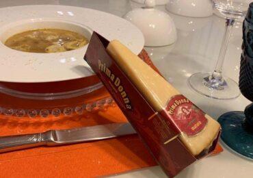 Tortelloni de Ricotta e Spinaci Fattoria Ferraro com Queijo Prima Donna