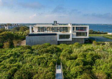 Mansão construída por brasileiros à venda nos Hamptons